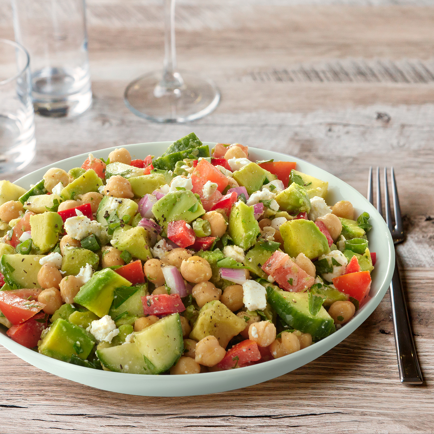 avocado_chickpea_greek_salad_1500