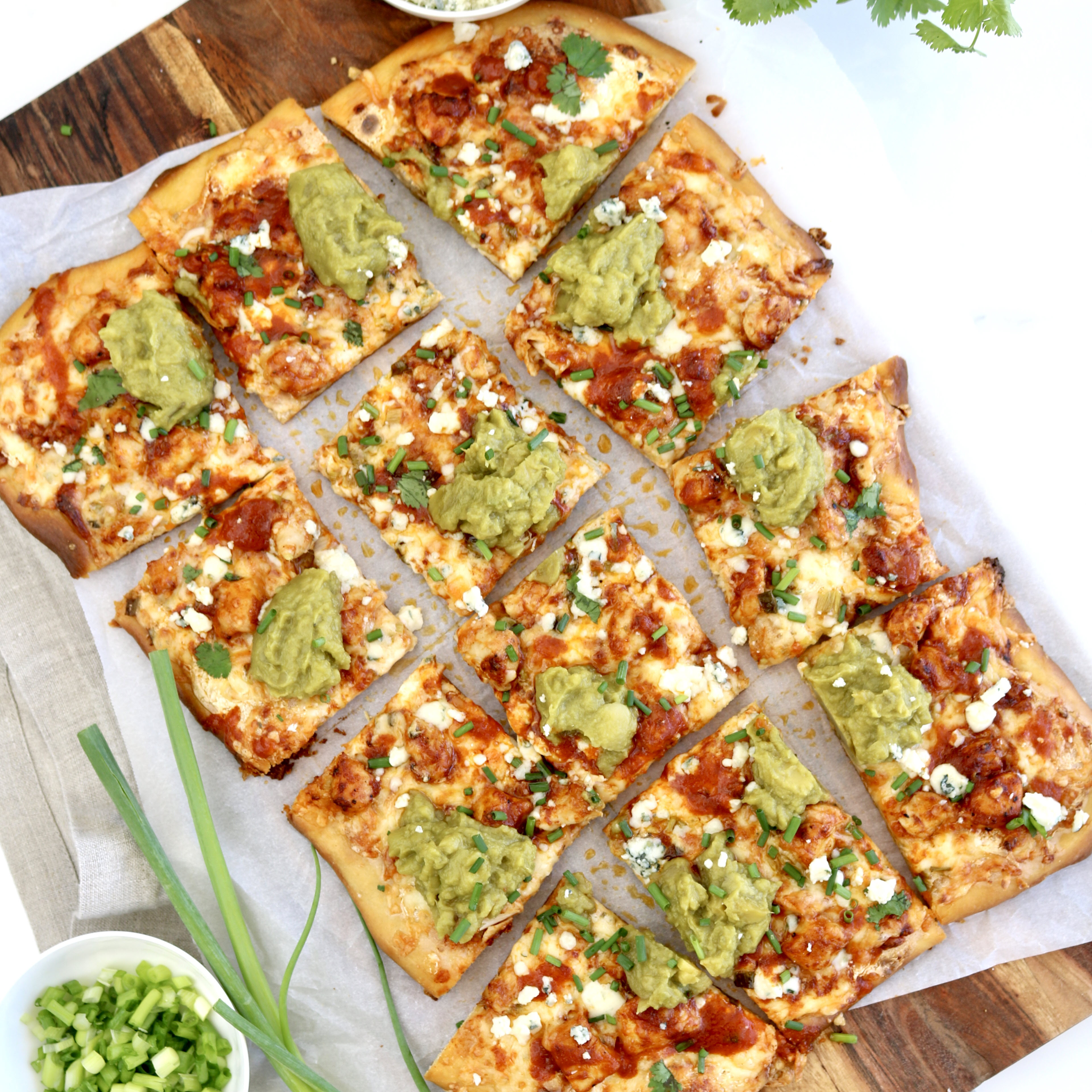 buffalo-chicken-pizza-with-wholly-classic-guacamole